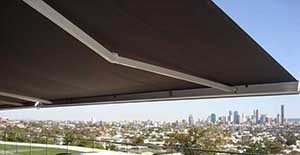 Retractable Awnings & Folding Arm Awnings